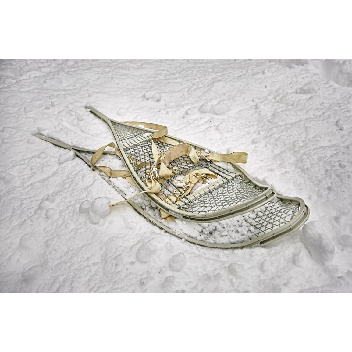 """US Military 31/"""" Snowshoes w//Bindings used"""